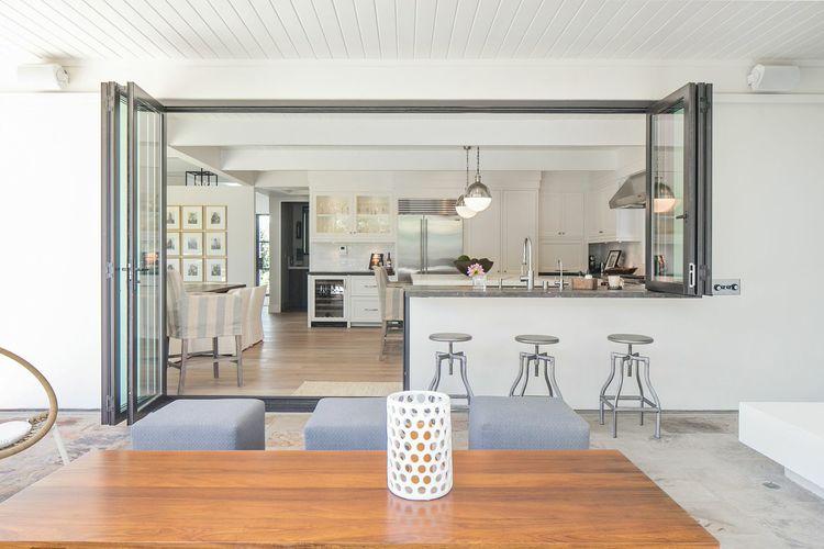 indoor/outdoor living spaces