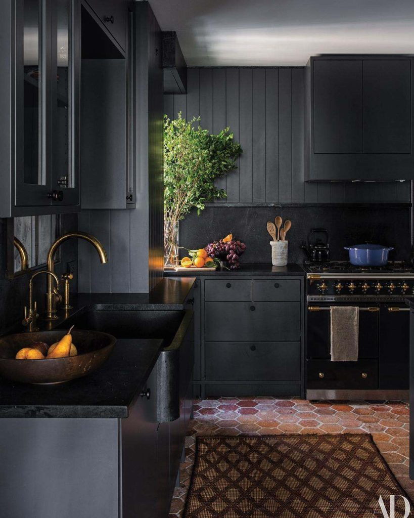 Design Crush: Dark Paint